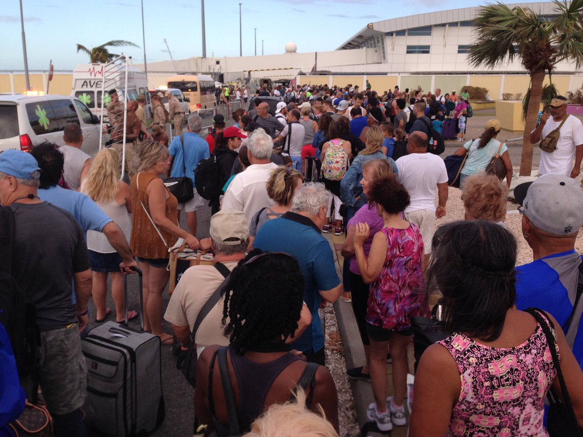 Photo of Update on St Maarten/St Martin, U.S. & Dutch Citizens Evacuating as Jose Bears Down (Video/Photos)