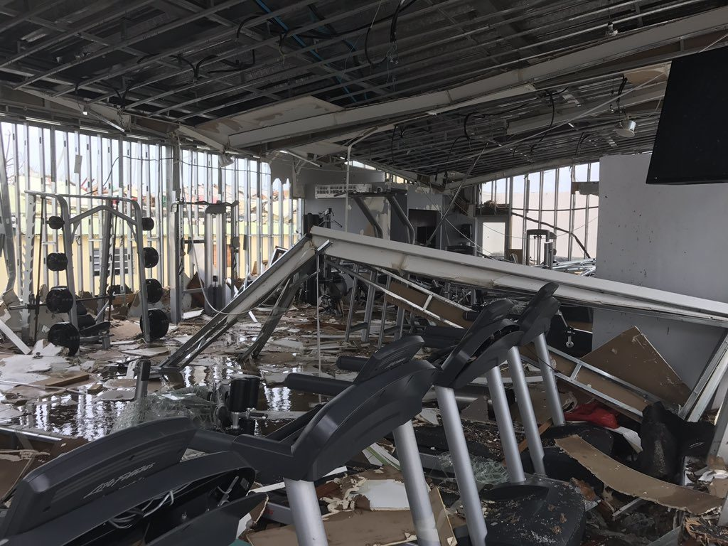 Destruction Bay Hotels
